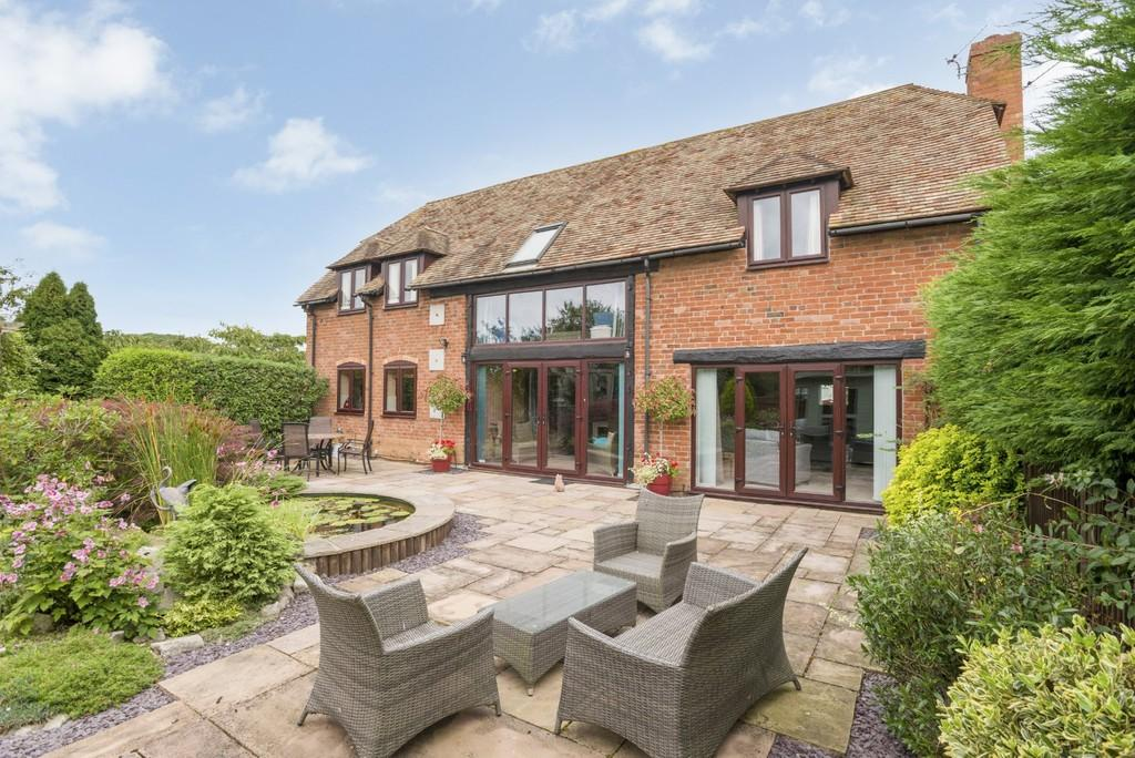 3 Bedrooms Barn Conversion Character Property for sale in Lower Binton, Stratford-Upon-Avon