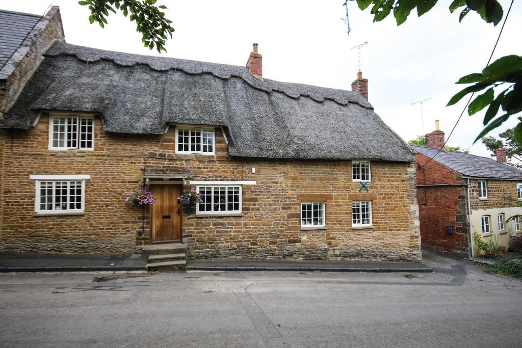 3 Bedrooms Cottage House for sale in Glaston Road, Bisbrooke