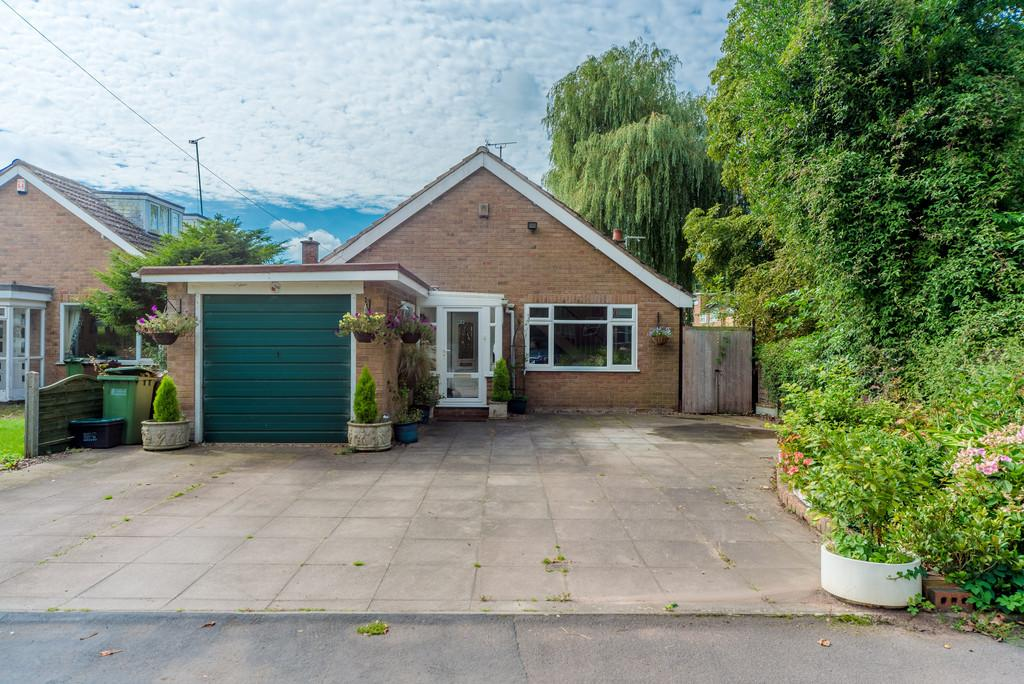 3 Bedrooms Detached Bungalow for sale in Main Rd, Meriden