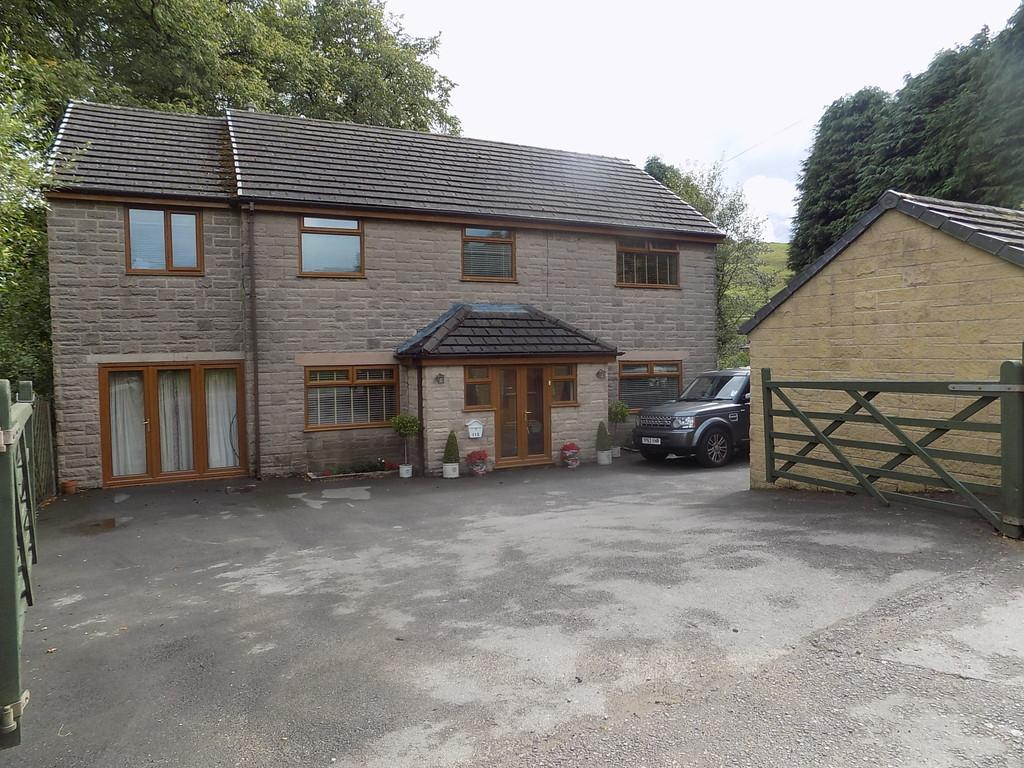 5 Bedrooms Detached House for sale in Macclesfield Old Road, Buxton