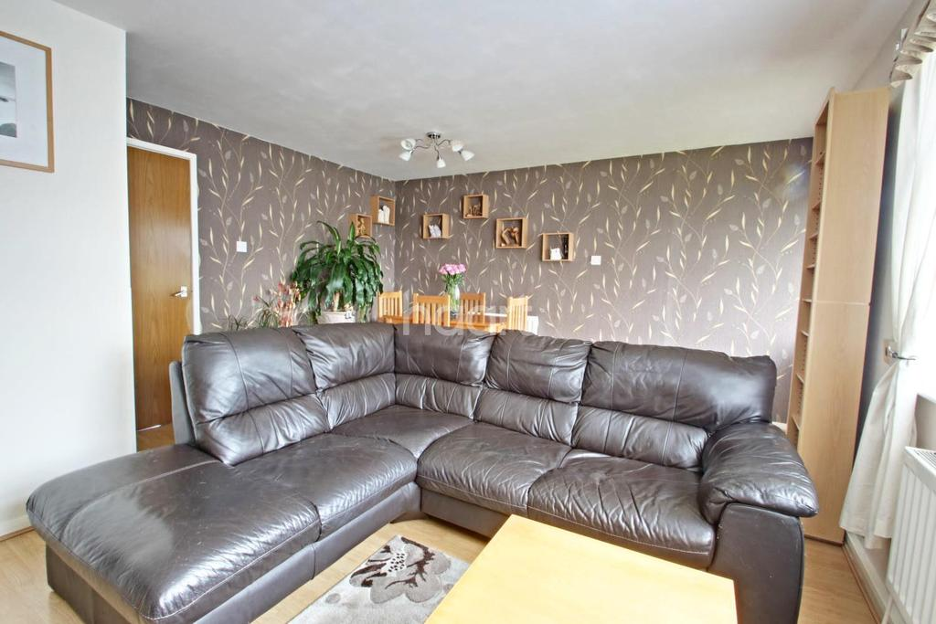 3 Bedrooms Terraced House for sale in St Marys Way, Hucknall