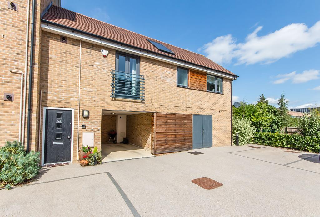 2 Bedrooms Maisonette Flat for sale in Yeoman Drive, Cambridge
