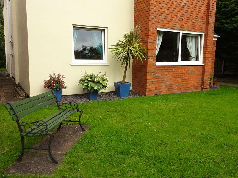 1 Bedroom Flat for sale in Summer Hill Avenue, Kidderminster DY11 6BY