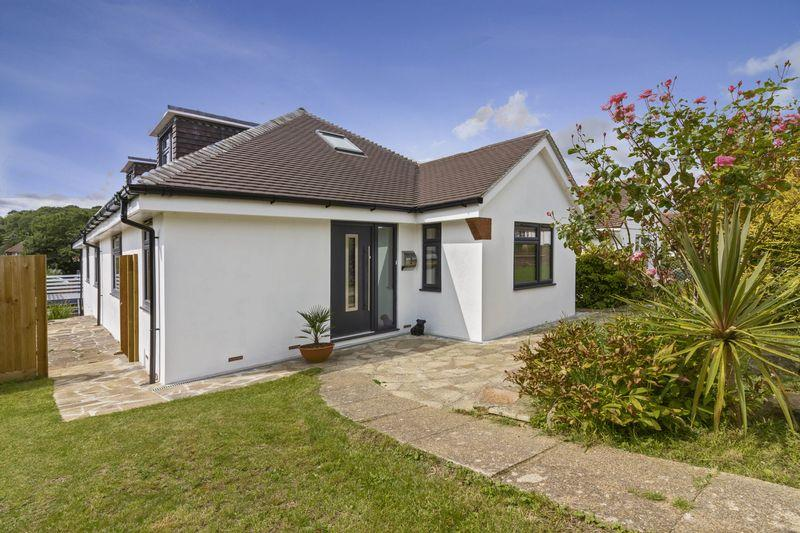 5 Bedrooms Chalet House for sale in Aldwick Crescent, Worthing