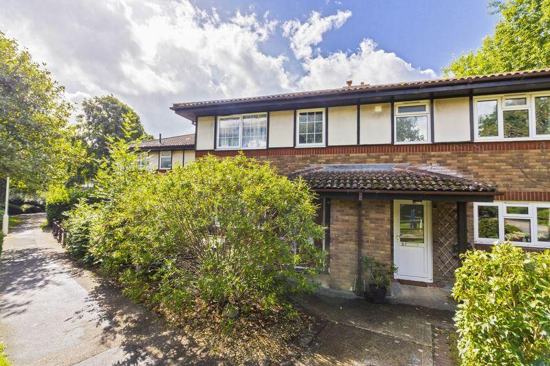 3 Bedrooms Terraced House for sale in Winterbourne Way, Worthing