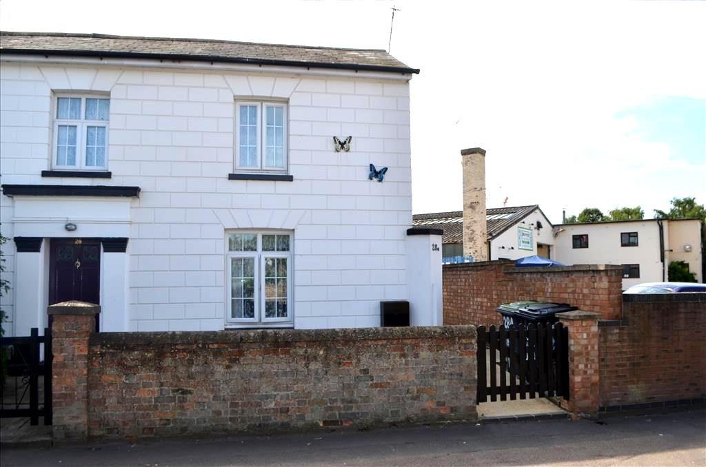 2 Bedrooms Semi Detached House for sale in Sun Street, Biggleswade, SG18