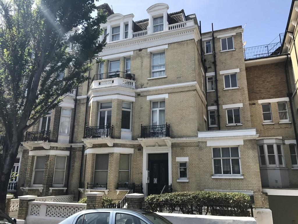 1 Bedroom Apartment Flat for sale in First Avenue, Hove, BN3 2FH