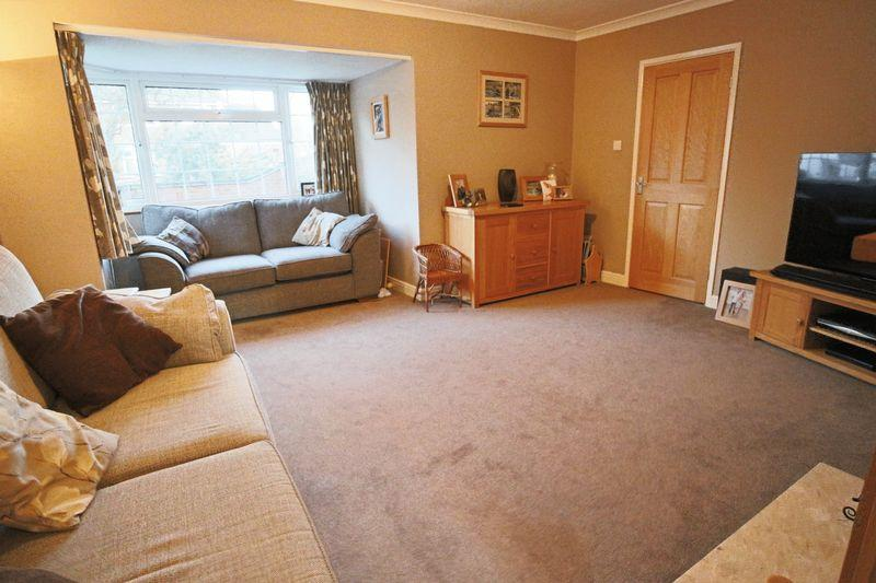 4 Bedrooms Detached House for sale in Priors Close, Gunton, Lowestoft