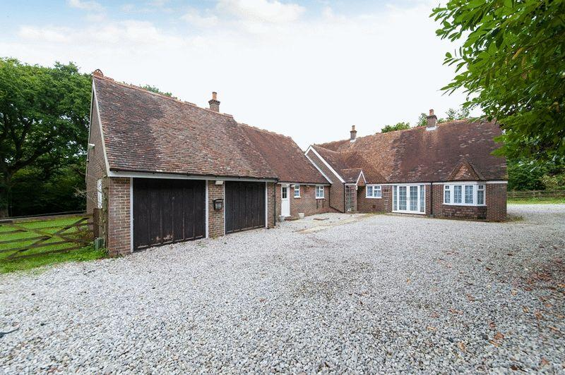 5 Bedrooms Detached House for sale in Abbey Road, Dover
