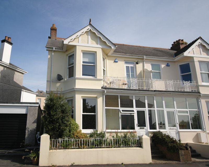 4 Bedrooms End Of Terrace House for sale in Essa Road, Saltash
