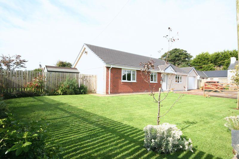 3 Bedrooms Detached Bungalow for sale in Dwyran, Anglesey