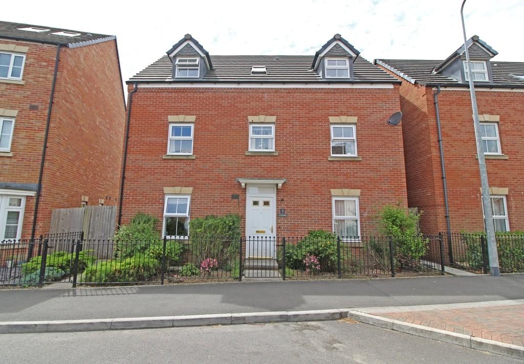 5 Bedrooms Detached House for sale in De Clare Drive, Radyr