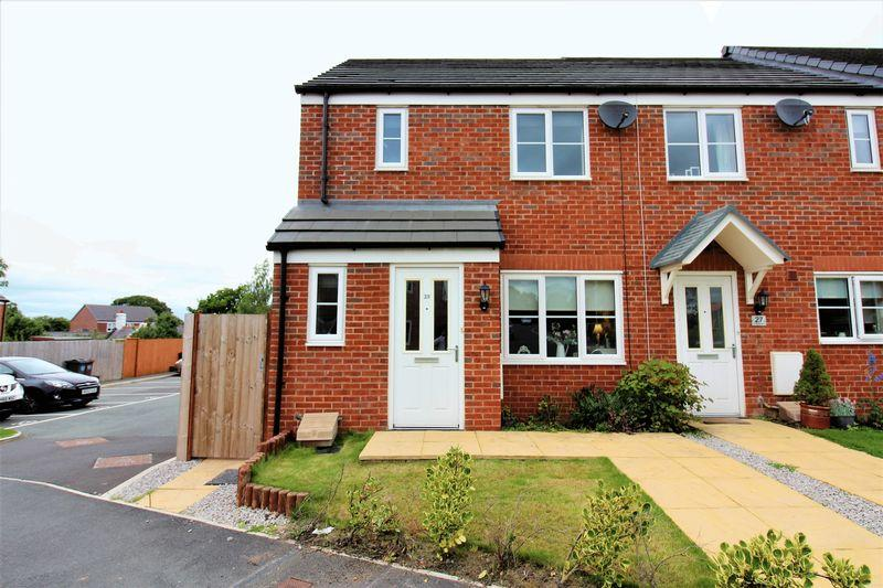 3 Bedrooms End Of Terrace House for sale in Ffordd Rowlands, Buckley