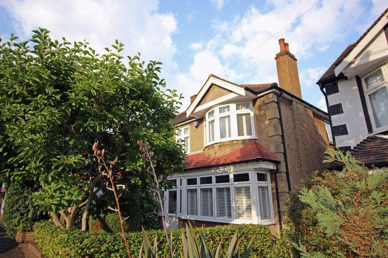 4 Bedrooms Semi Detached House for sale in Penwortham Road, Sanderstead, Surrey