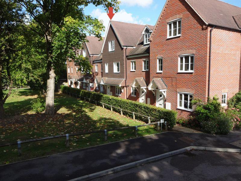3 Bedrooms Terraced House for sale in Tunbridge Wells