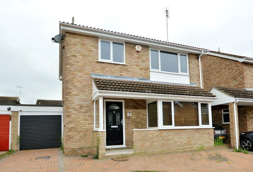 3 Bedrooms Detached House for sale in Bury Close, Castle Gardens