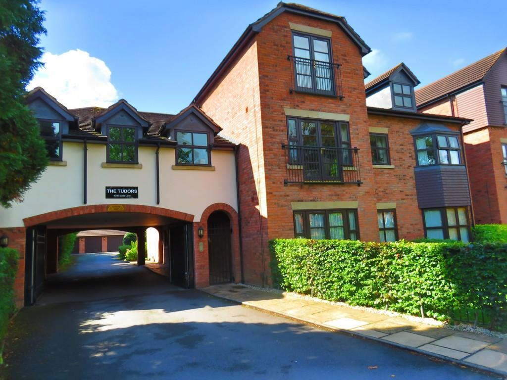 2 Bedrooms Apartment Flat for sale in Lode Lane, Solihull