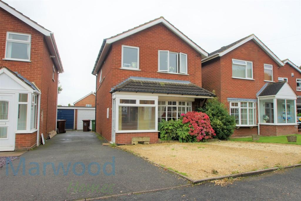 3 Bedrooms Detached House for sale in Wallace Close, Norton Canes, Cannock
