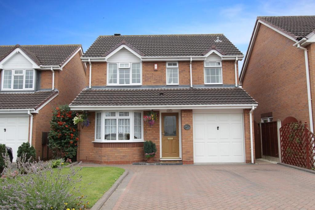 3 Bedrooms Detached House for sale in Emberton Way, Amington Fields