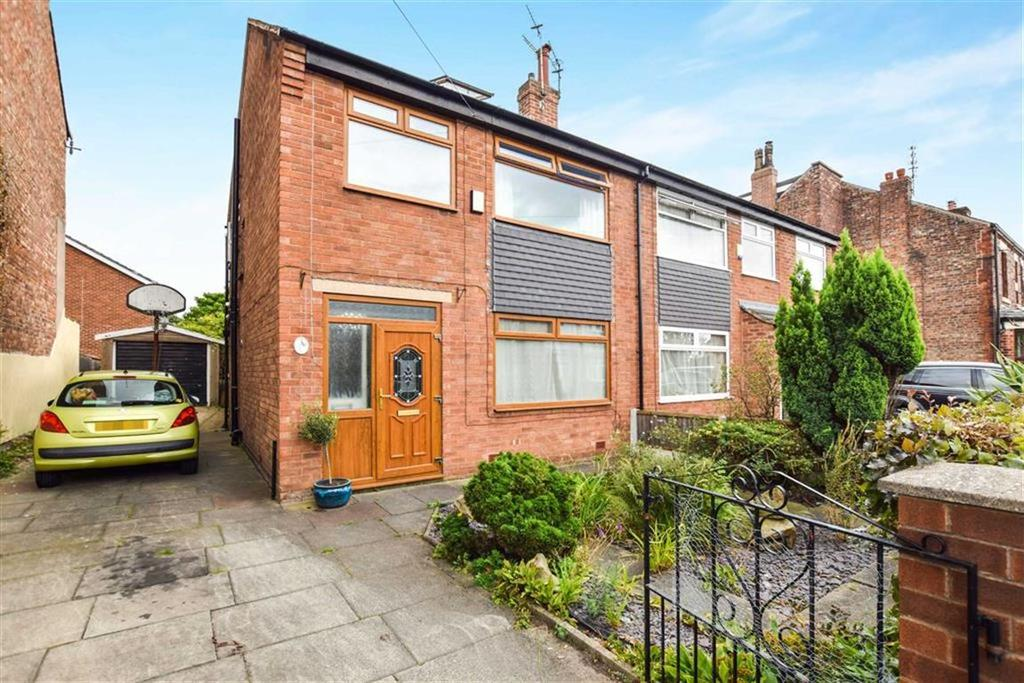4 Bedrooms Semi Detached House for sale in Brook Road, Urmston