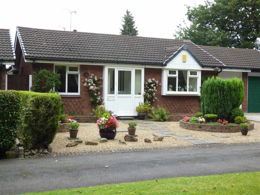 3 Bedrooms Detached Bungalow for sale in Edenbridge Road, Cheadle Hulme, Cheshire