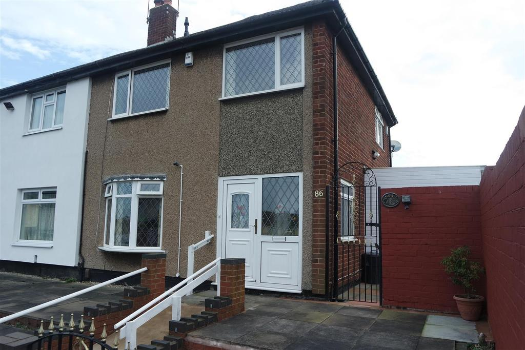 3 Bedrooms Semi Detached House for sale in Hampshire Road, West Bromwich, B71 2PR