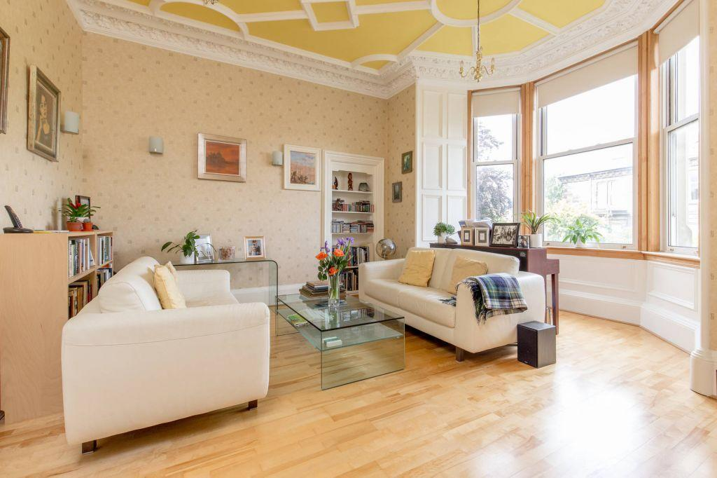 2 Bedrooms Flat for sale in 47a Fountainhall Road, Edinburgh, EH9 2LN