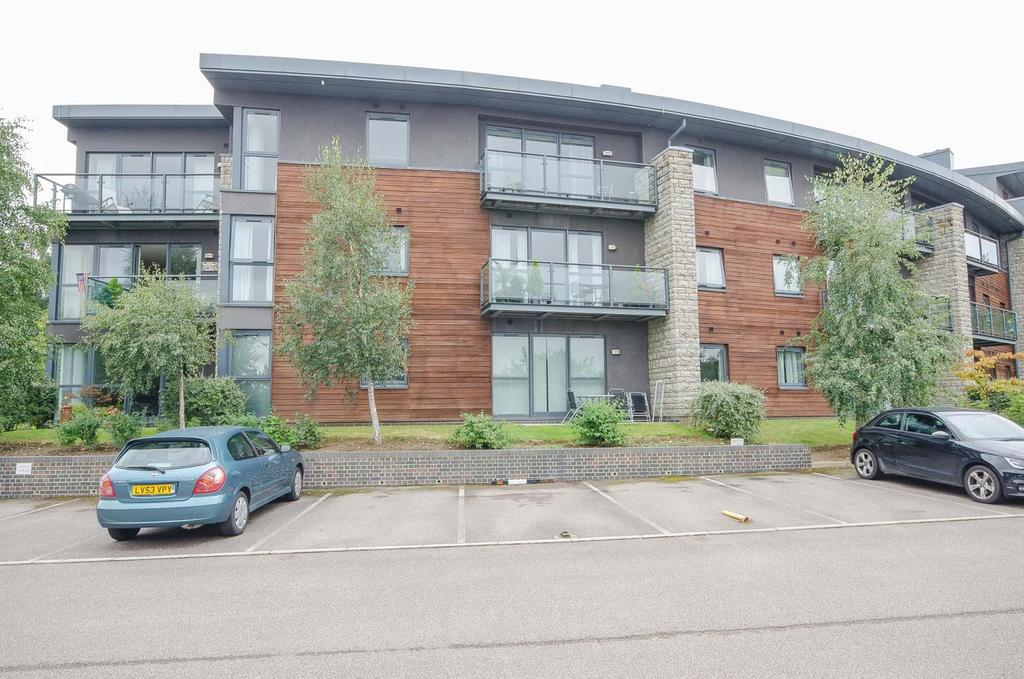 2 Bedrooms Apartment Flat for sale in Sandling Park Sandling Lane, Maidstone, Kent