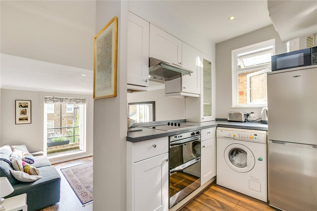 1 Bedroom Flat for sale in Radipole Road, Parsons Green, London