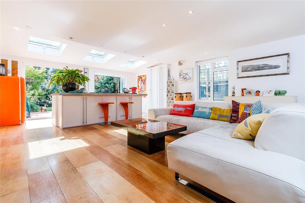 1 Bedroom Semi Detached Bungalow for sale in Chalfont Road, Seer Green, Beaconsfield, Buckinghamshire