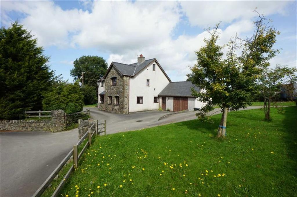 4 Bedrooms Detached House for sale in Llanddoged, Llanrwst