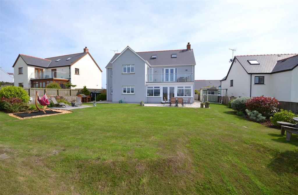 6 Bedrooms Detached House for sale in Maes Ffynnon, Roch, Pembrokeshire