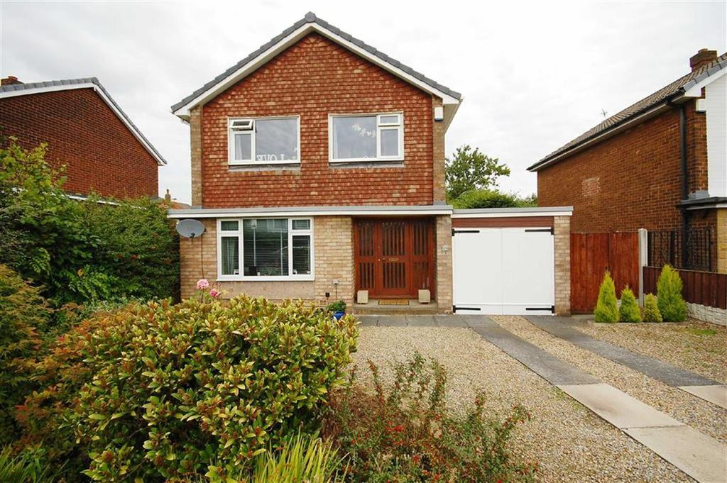 3 Bedrooms Detached House for sale in Lindsay Road, Garforth, Leeds, LS25