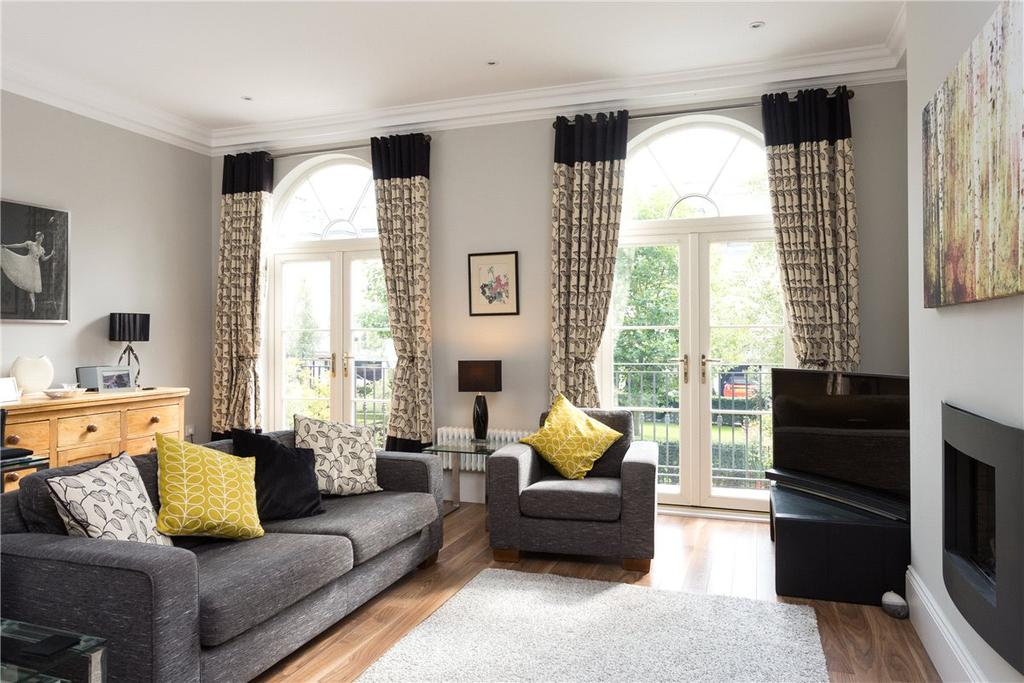 5 Bedrooms House for sale in The Square, Dringhouses, York, YO24