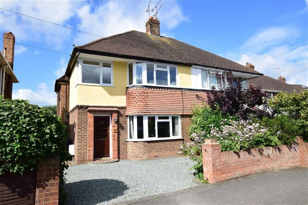 3 Bedrooms Semi Detached House for sale in Mayfield Drive, Caversham, Reading