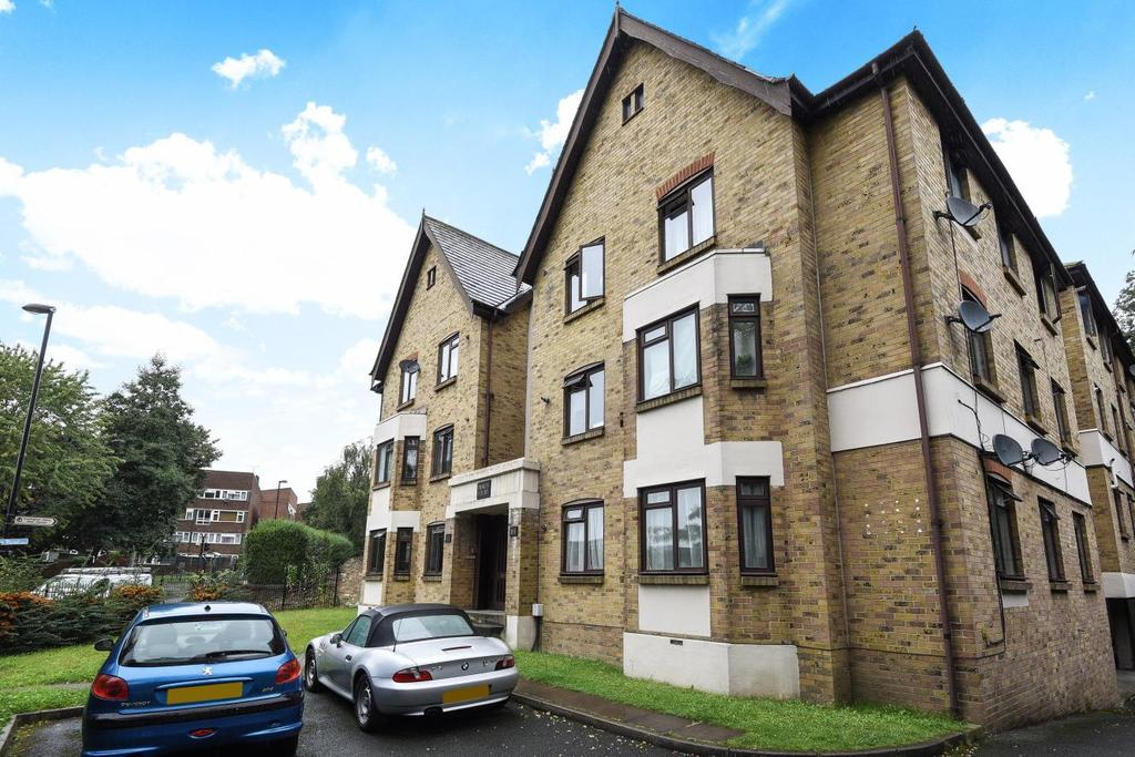 2 Bedrooms Flat for sale in Lewisham Road, Lewisham