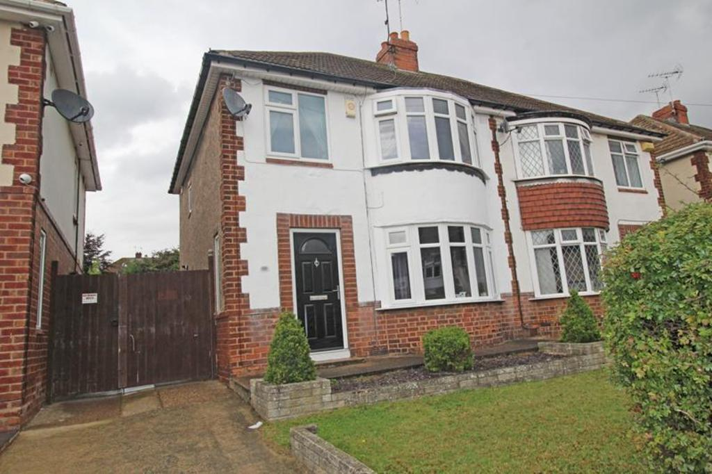 3 Bedrooms Semi Detached House for sale in 88 Raines Avenue