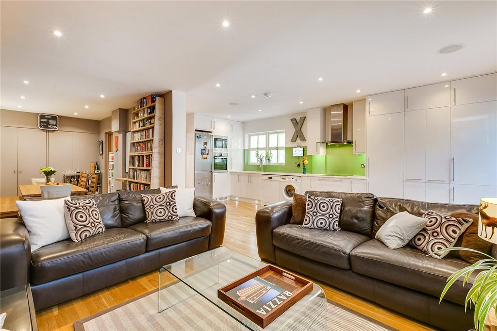 4 Bedrooms House for sale in Restoration Square, Battersea Park, London