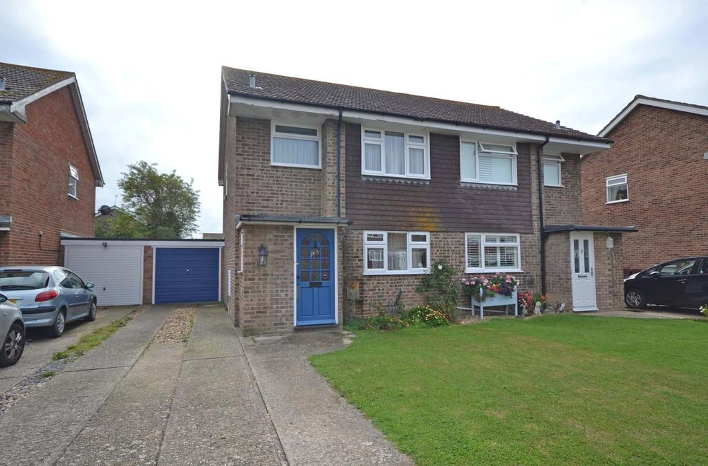 3 Bedrooms Semi Detached House for sale in Gainsborough Drive, Selsey, PO20