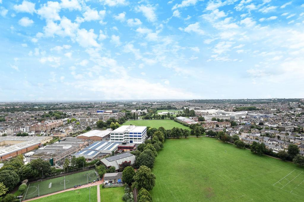 2 Bedrooms Flat for sale in Argento Tower, Mapleton Road, Wandsworth