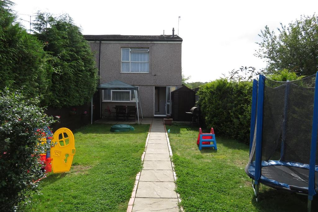 3 Bedrooms Terraced House for sale in Helmsdale Close, Reading