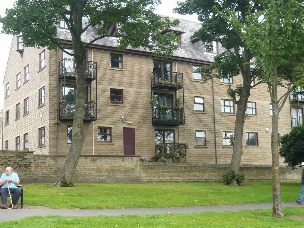 2 Bedrooms Flat for sale in Stone Hall Mews, Eccleshill, Bradford, BD2 2EL