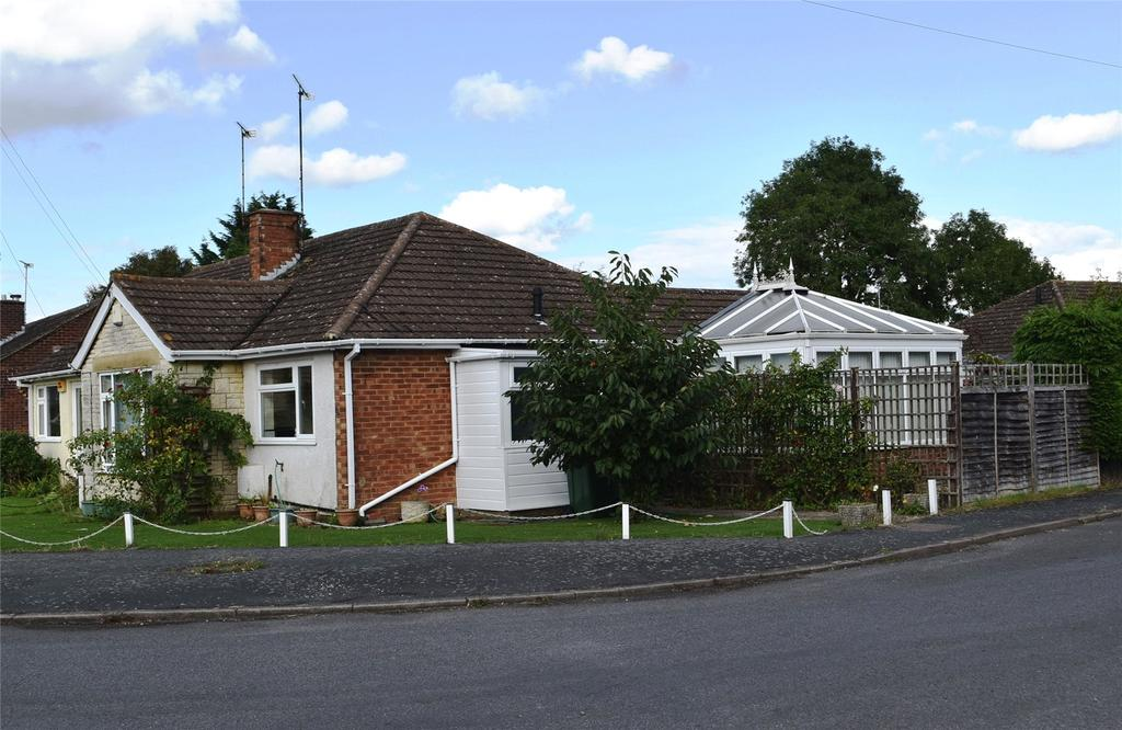 2 Bedrooms Semi Detached Bungalow for sale in Highfield Road, Winslow