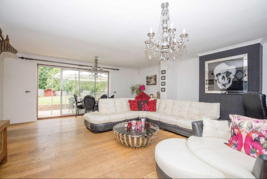 4 Bedrooms Semi Detached House for sale in Caring Lane, Bearsted, Maidstone