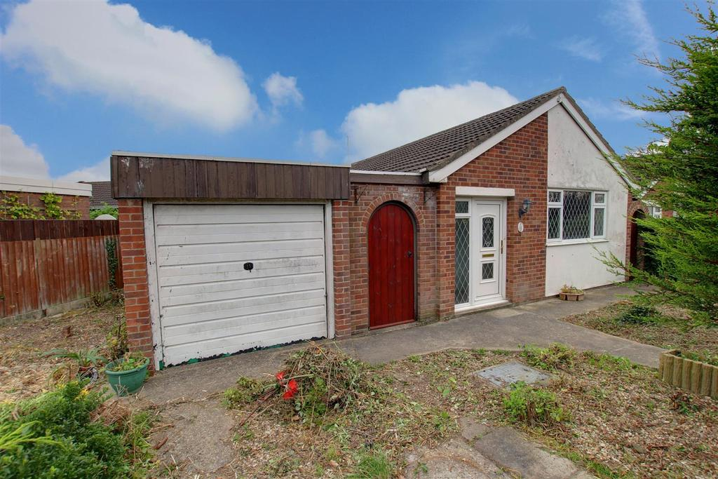 2 Bedrooms Detached Bungalow for sale in 13 Cheltenham Way, Mablethorpe, Lincolnshire