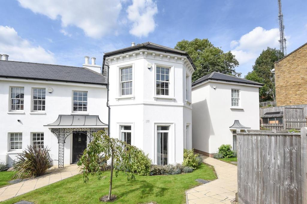 3 Bedrooms Maisonette Flat for sale in Gayfere Place, South Norwood