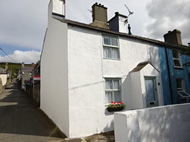 1 Bedroom End Of Terrace House for sale in DOCTOR STREET, RACHUB LL57