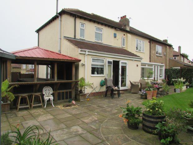 4 Bedrooms Semi Detached House for sale in THE CRESCENT, HARTLEPOOL, HARTLEPOOL