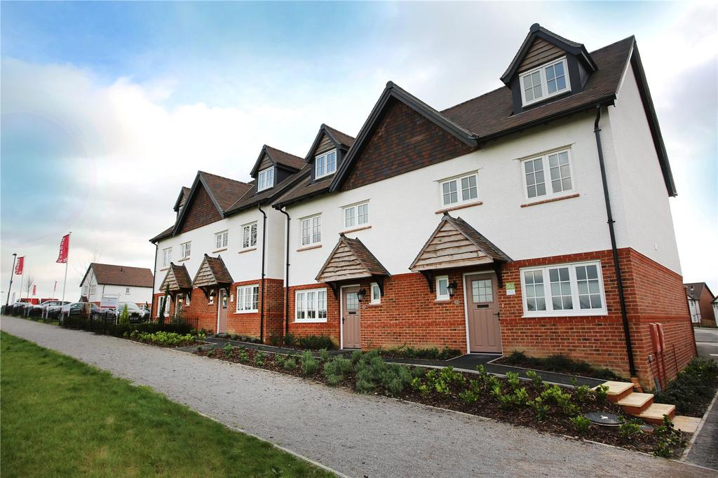 4 Bedrooms End Of Terrace House for sale in Yew Gardens, London Road, Waterlooville, Hampshire, PO7