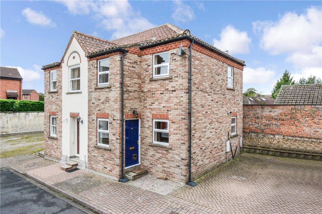 2 Bedrooms Semi Detached House for sale in Waterside, Ripon, North Yorkshire